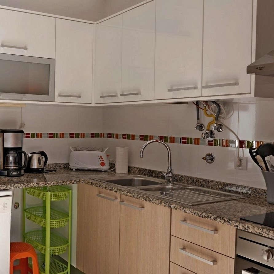 Beach holiday apartement Portugal SolMar kitchen