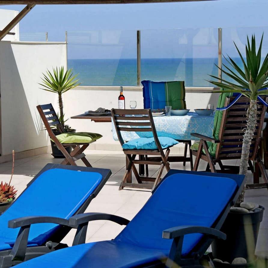 Rooftop terrace sea view_Beach apartment Portugal